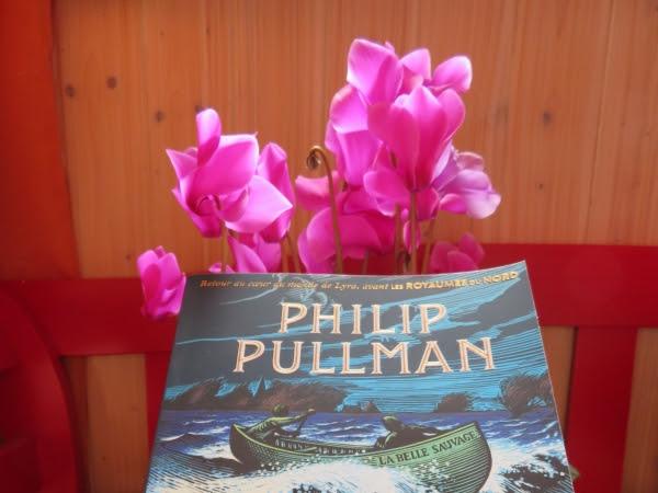 La trilogie de la poussière, tome 1 : La belle sauvage de Philip Pullman