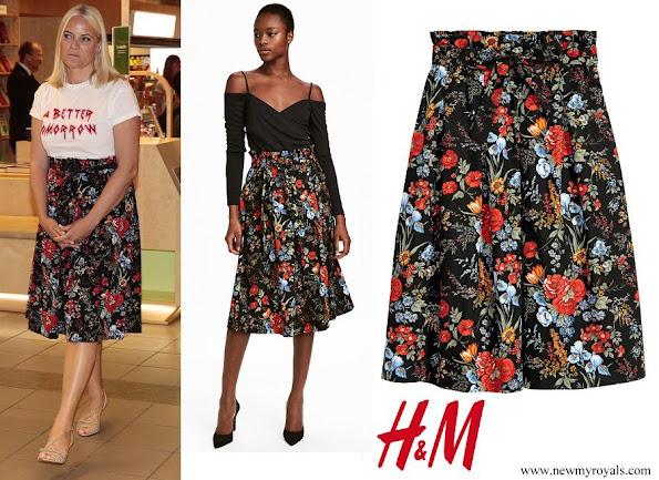 Crown Princess Mette Marit wore H&M Cotton skirt