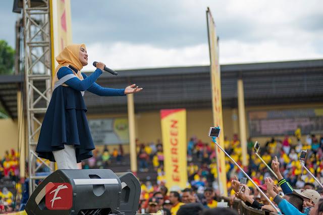 Photo  : Fatin  Sidqia Hibur Ribuan Warga Sukabumi