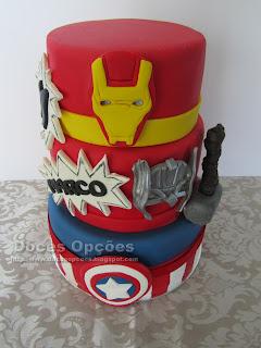 Bolo com os Super Heróis para o 11º aniversário do Marco