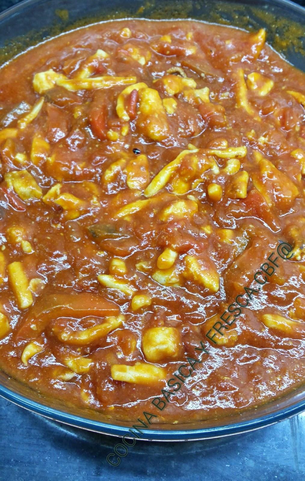 Cocina basica y fresca calamares y emperador con tomate y for Cocinar emperador