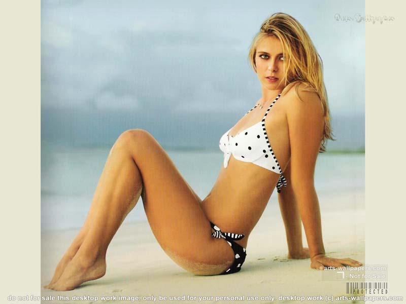 Tenniswoman Hot Solo 50