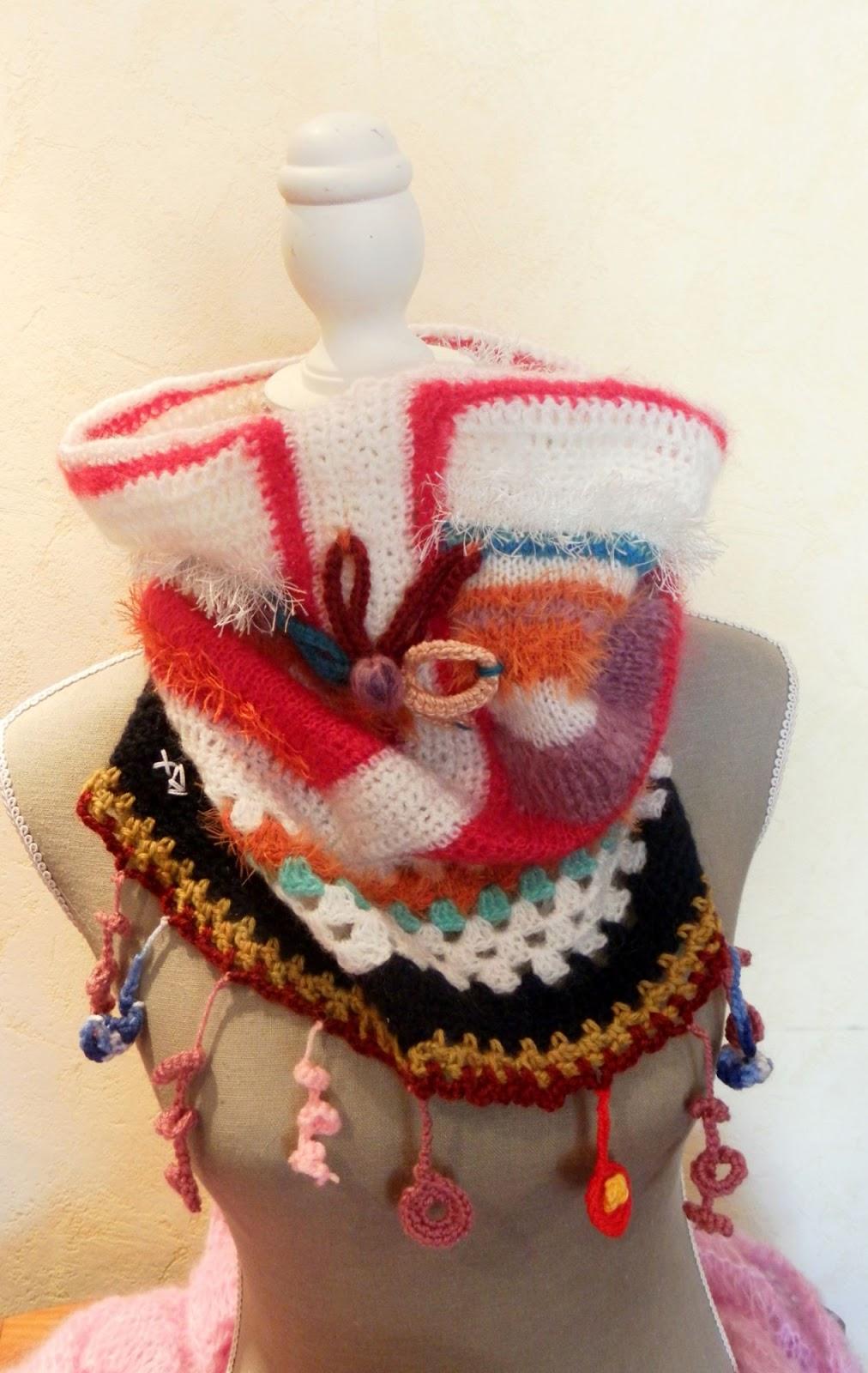Snood écharpe tour de cou réalisé en laine