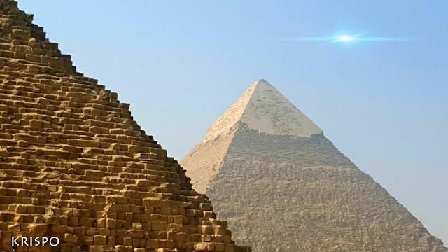 piramide de keops de cerca