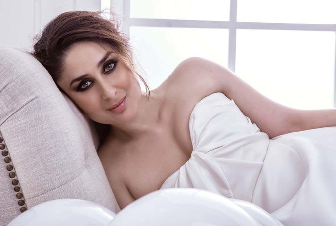 Kareena Kapoor Stunning Photoshoot for Filmfare Magazine India September 2017