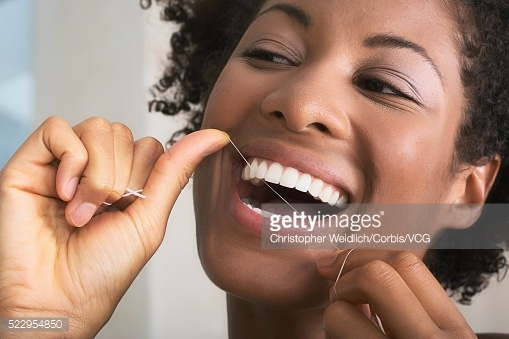 the importance of flossing everyday+ when should i floss + flossing before or after meal