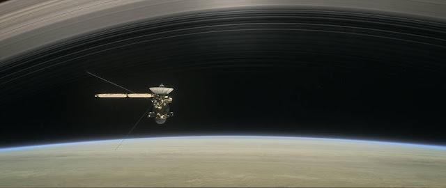 المركبة كاسيني تبدء خمس مدارات النهائية حول كوكب الزحل