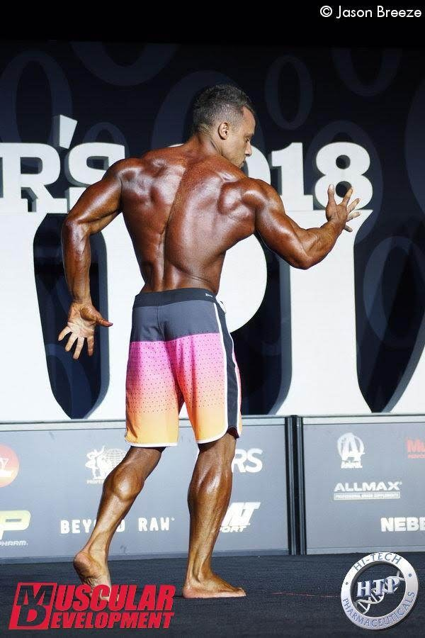 Diogo Montenegro no palco do Mr. Olympia 2018. Foto: Jason Breeze