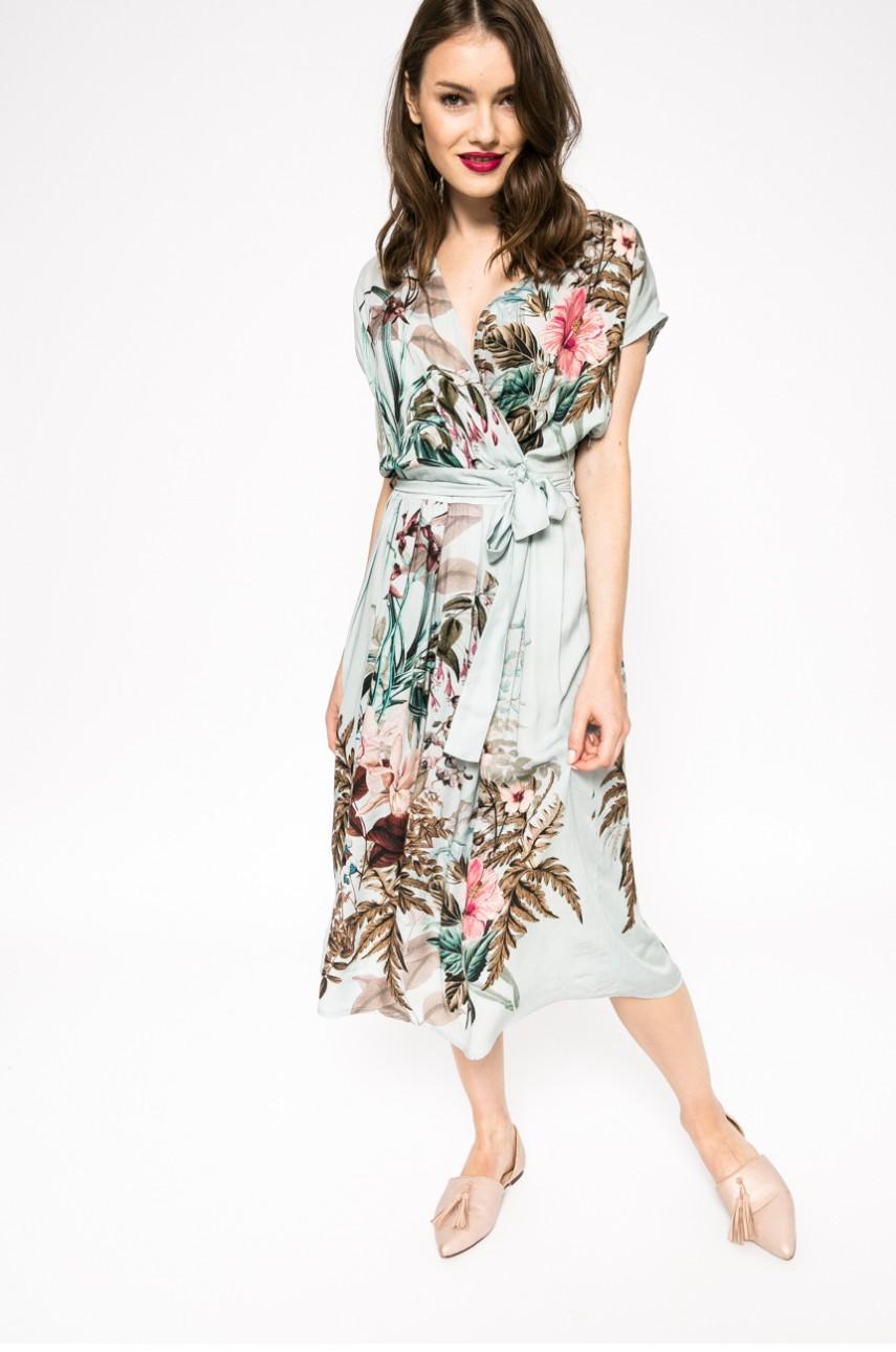 letnia sukienka kopertowa Medicine, sukienki na lato, jak się ubrać latem
