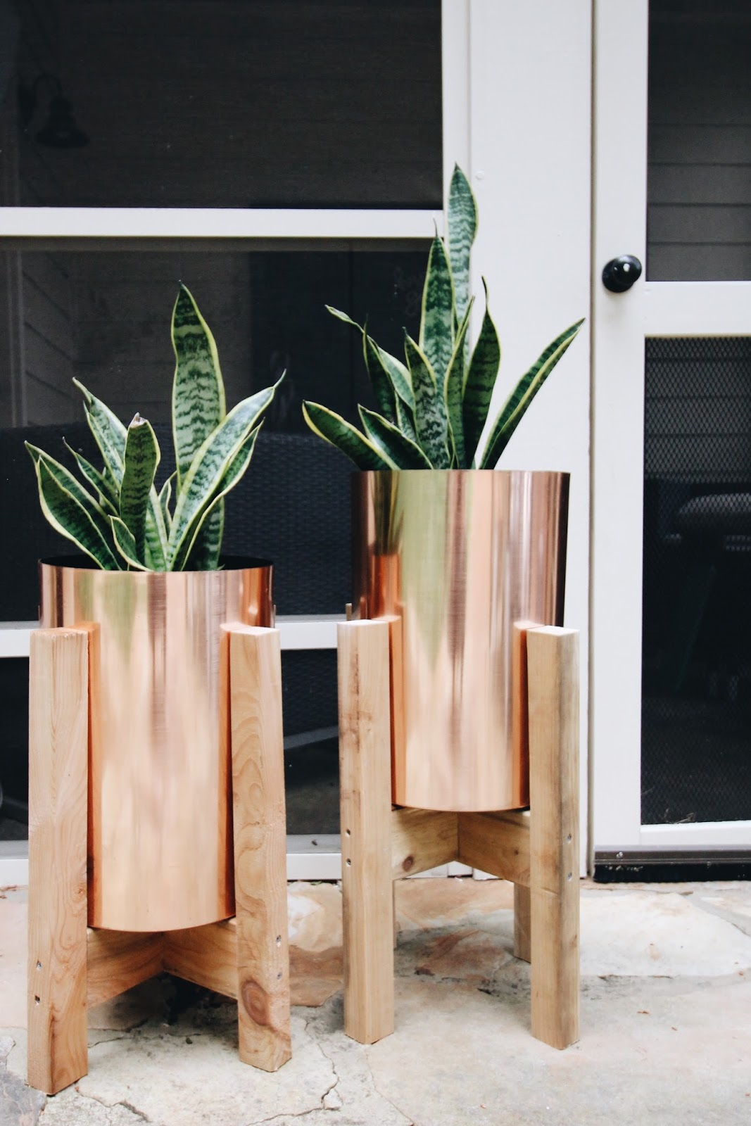 Garvin and co diy copper planters - Construire une bibliotheque en bois ...