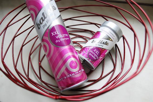 Suchy szampon do włosów Batiste XXL volume | puder do włosów Batiste XXL volume