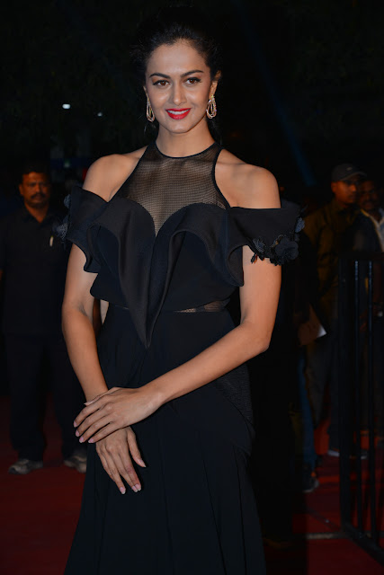 Shubra Aiyappa Latest Pics in GeminiTV Awards 2016