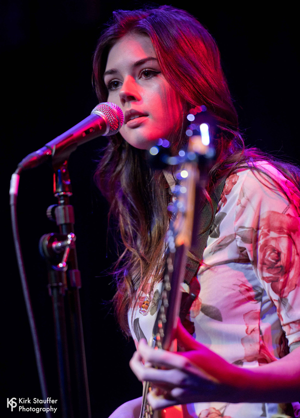 MusicLoad.Com presents Elise Trouw and her live looping mashup of Radiohead Meets The Police. Photo by Kirk Stauffer