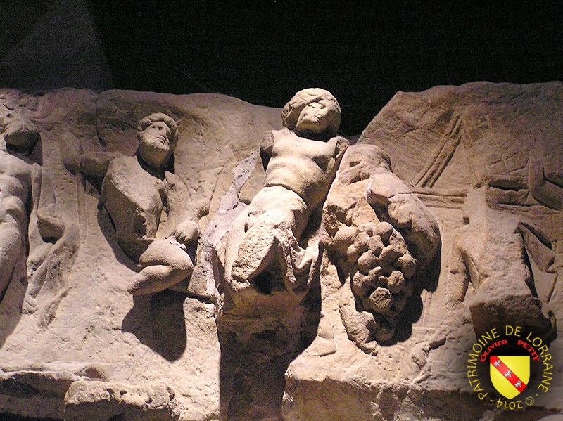 METZ (57) - Musée de la Cour d'Or : Bas-relief de Mithra