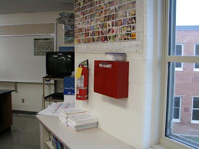 Vị trí để bình chữa cháy thích hợp trong văn phòng làm việc