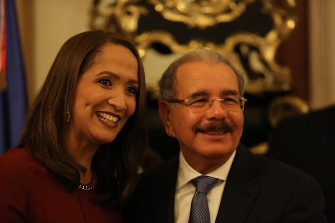 Con motivo festividades navideñas, presidente Danilo Medina comparte con periodistas y reporteros gráficos acreditados en Palacio Nacional