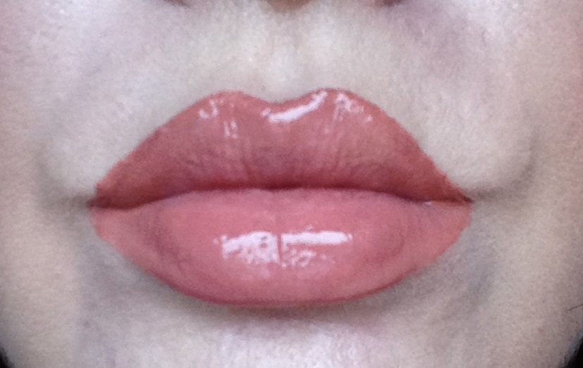 2846baedd88 I found that it does not go on completely matte. It has a little bit of  shine to it. It does look very nice on the lips though.
