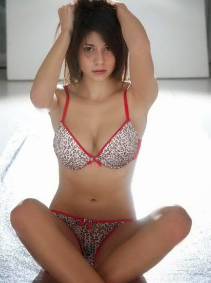 Sexy italian wife in stockings banged