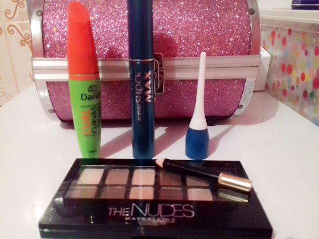 Montando um kit básico de maquiagem
