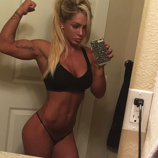 Fitness Girl CASSIE badasscass_fit photos