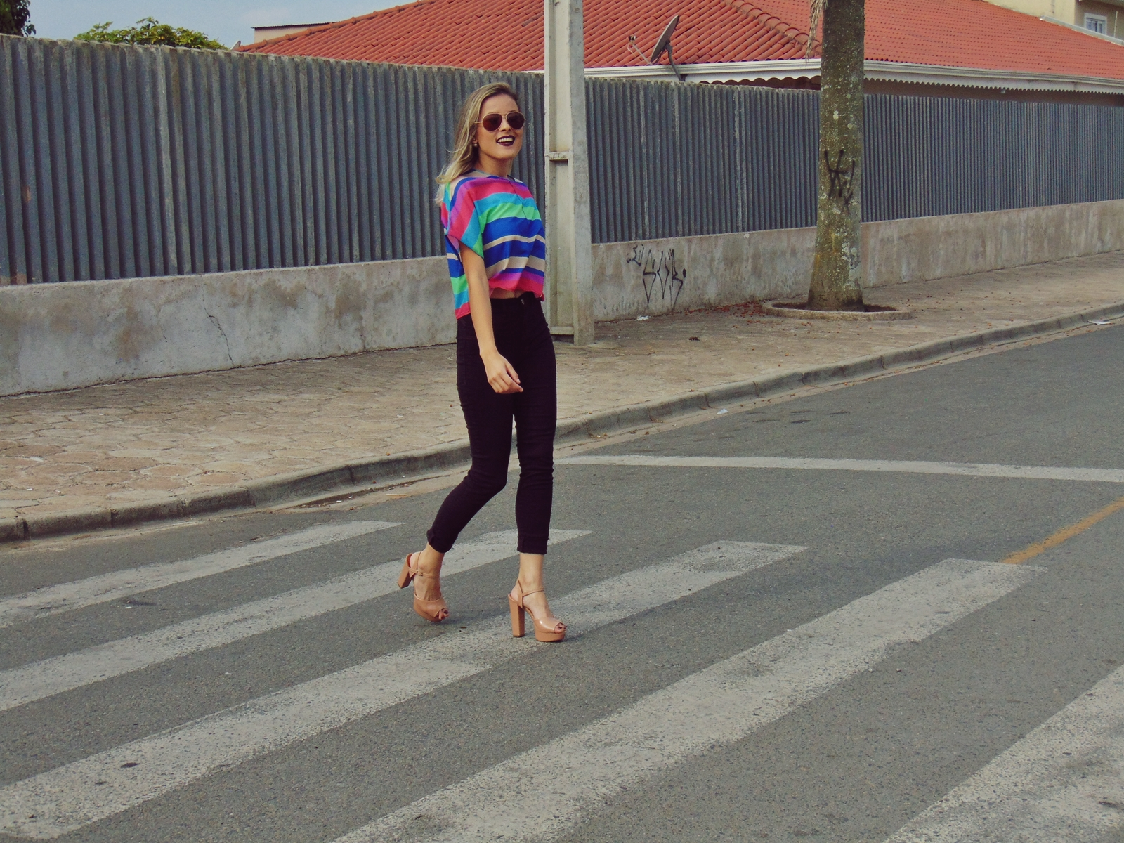 Look calça hot pants e cropped Spaço Vagun - Ally Arruda
