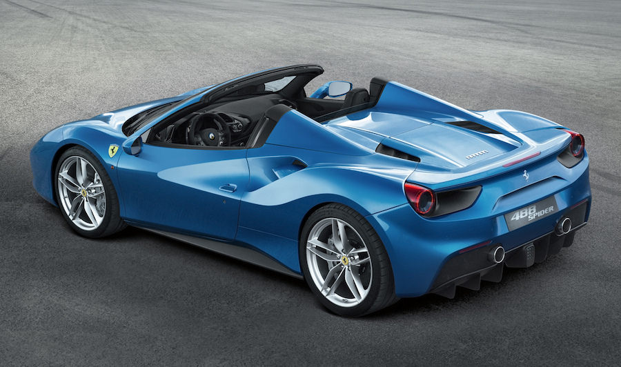 「フェラーリ488スパイダー」のエンジンカバーを透明に出来るアイテムが登場!