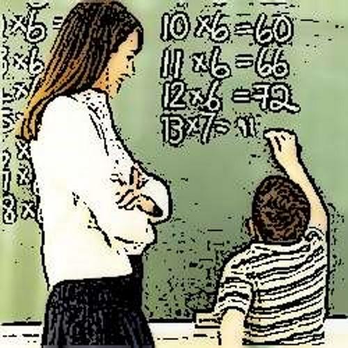 Professora dando aula. #PraCegoVer
