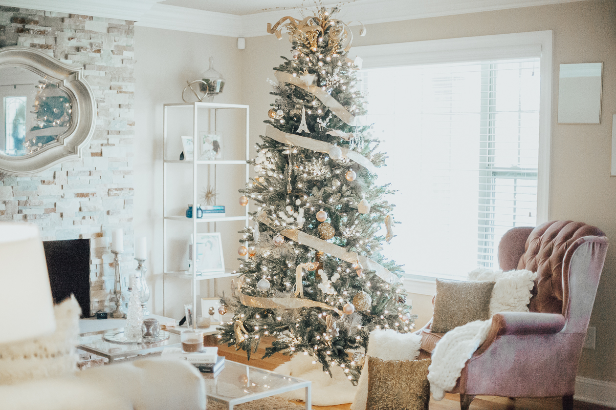 life and messy hair, christmas decor hack, xo samantha brooke, christmas decor, home decor, pier 1 style