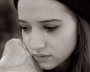 Sad Girl Pictures And Sad Girl Wallpapers