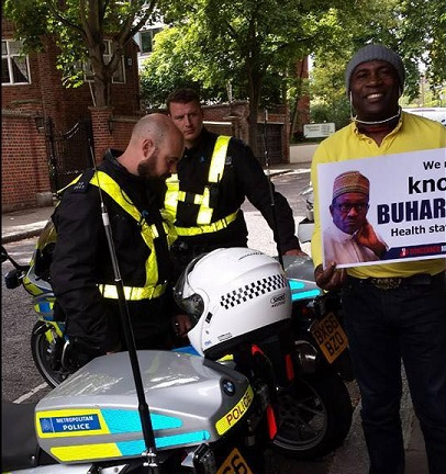 #ResumeorResign: Goodluck Jonathan Stages Solo Protest Against Buhari At Abuja House In UK