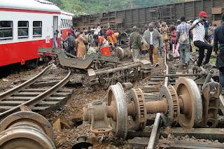 Descarriló un tren en Camerún: 80 muertos
