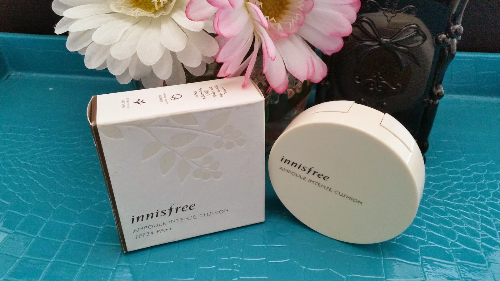 Ampoule Intense Cushion and outer box