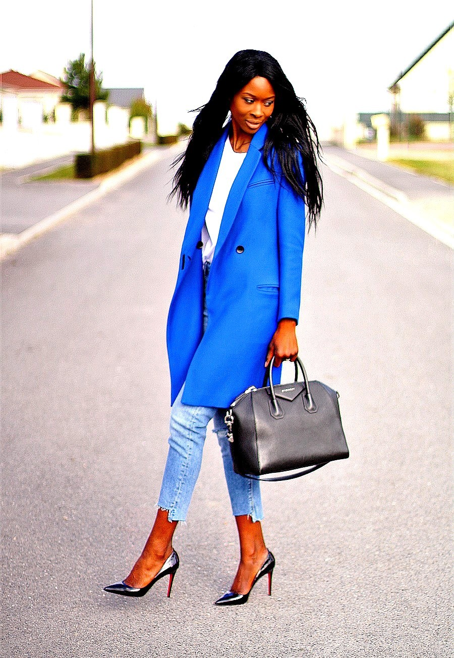 look-working-girl-chic-escarpins-louboutin-sac-givenchy-manteau-trois-quart
