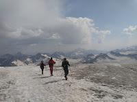 Mendaki Puncak Elbrus Rusia IMAPALA UB - BRI Rencana Kibarkan Merah Putih