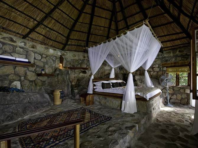 charming stone wall interior design ideas   Charming Rustic Cottage House Vogue Interior Design