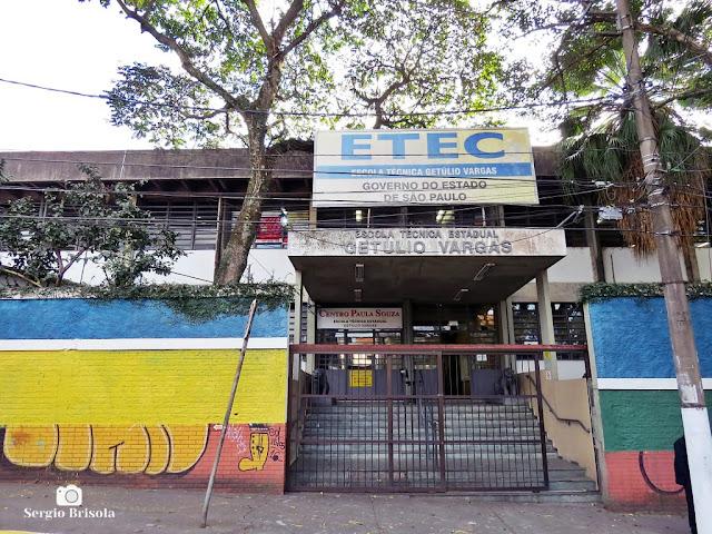 Vista da entrada da Etec Getúlio Vargas - Ipiranga - São Paulo