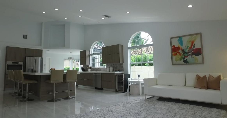 41 Photos vs. 2 MIAMI Waterfront Condos + Private Pool Home Interior Design Tours