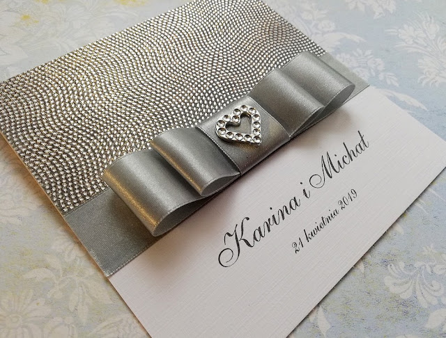 http://pracownia-jolantawajda.tradoro.pl/zaproszenia-zaproszenia-na-slub-zaproszenia-silver-iii/p,411308