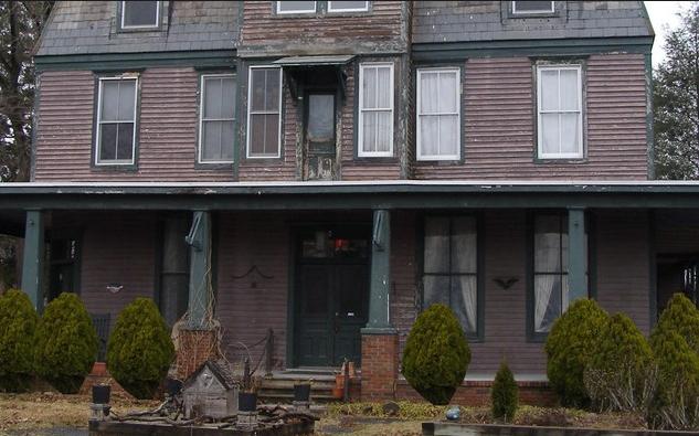 10 Hal Yang Menyebabkan Rumah Menjadi Sarang Hantu