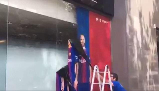 Barca xóa sạch sẽ các hình ảnh liên quan tới Neymar 2
