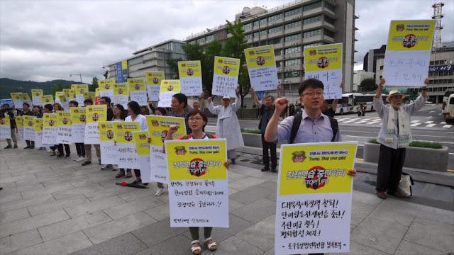 Surcoreanos protestan contra maniobras conjuntas con EEUU