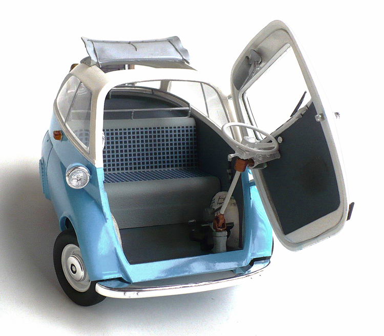 Here Are Some Images Of Revell S 1 16 Scale Bmw Isetta 250