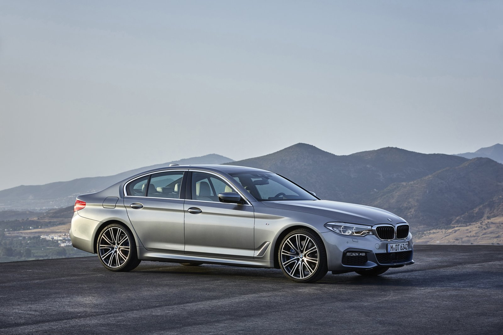 bmw 540d slated to bring diesel power to the u s. Black Bedroom Furniture Sets. Home Design Ideas