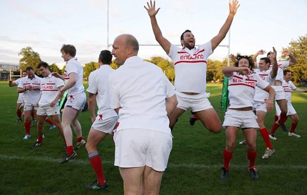 Inglaterra calienta el mundial de rugby