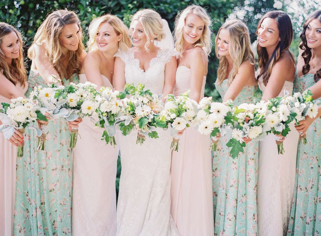 DStrój dla druhen, ruhny suknie, druhny wygląd, stroje dla druhen, suknia dla świadkowej, suknie dla druhen inspiracje, sukienki dla druhen, modna druhna, modne suknie dla druhen, druhny na ślubie, strój druhny, trendy ślubne 2017