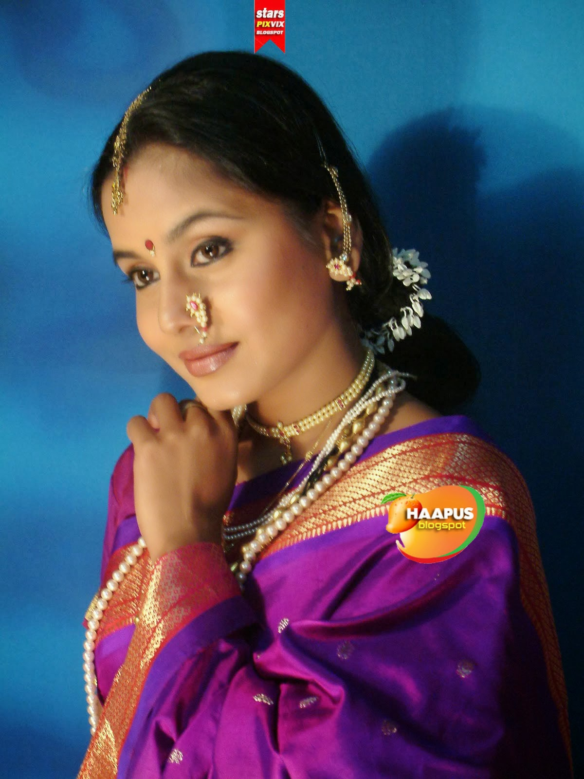 Beautiful Hemangi Kavi In Saree  Cute Marathi Actresses -8292