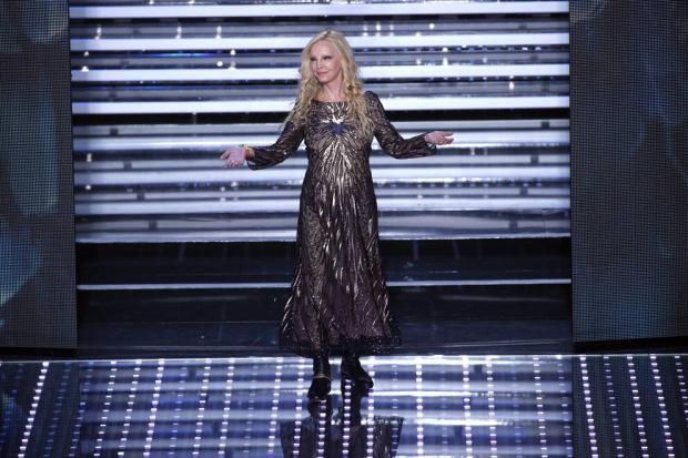 Sanremo 2016  I look della seconda serata ~ Kris Makeup Special Effects b0154d047a7