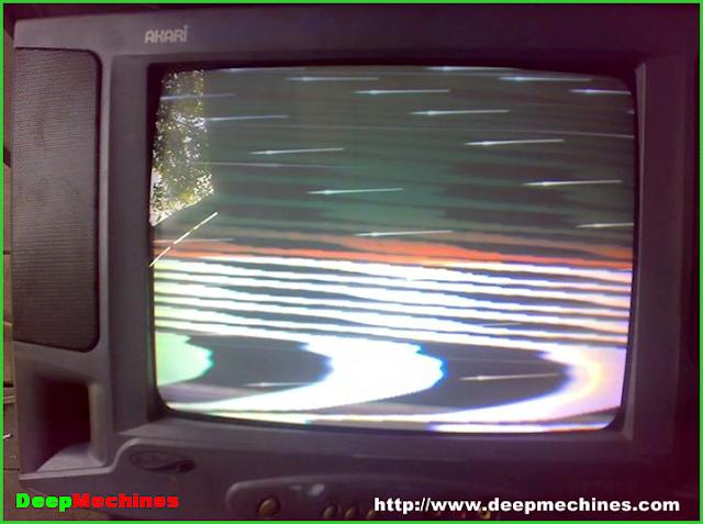 Gambar Berurat urat pada TV AKARI 14-Inch Model: IC-14M78V  dan cara memperbaiki kerusakannya