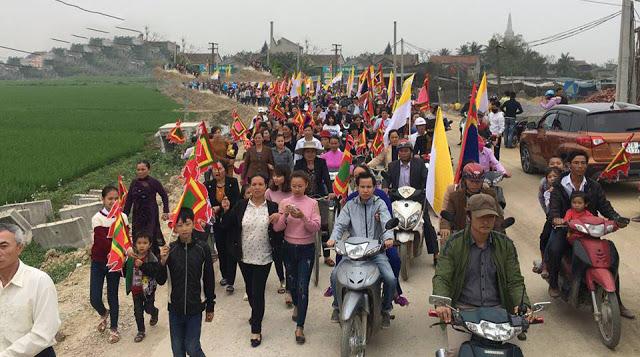 Image result for biểu tình 2017