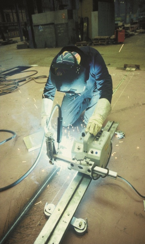 Armor Plate Welding | Welding , Hardfacing , Cladding and Cutting of